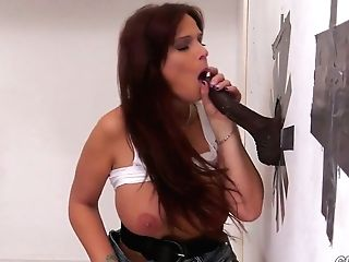 Vulgar Cougar With Massive Tits Syren Demer Goes Wild In The Glory Crevasse Room