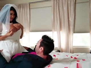 Yam-sized Tits Bride Cheats On Her Wedding Day With The Best Man