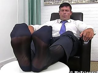 Matures Businessman Shows Off His Yummy Feet Solo