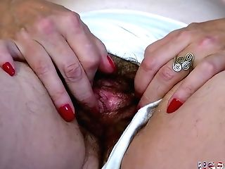 Usawives Old Granny Carmen Hairy Fuckbox Fingerblasting
