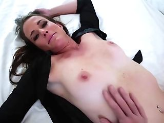 Matures Stepmom Takes A Stepsons Big Pink Cigar For Good Morning