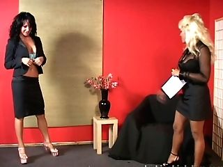 Layla Fervor Gets Her Tits Fondled And Vulva Fingerblasted By Her Mistress